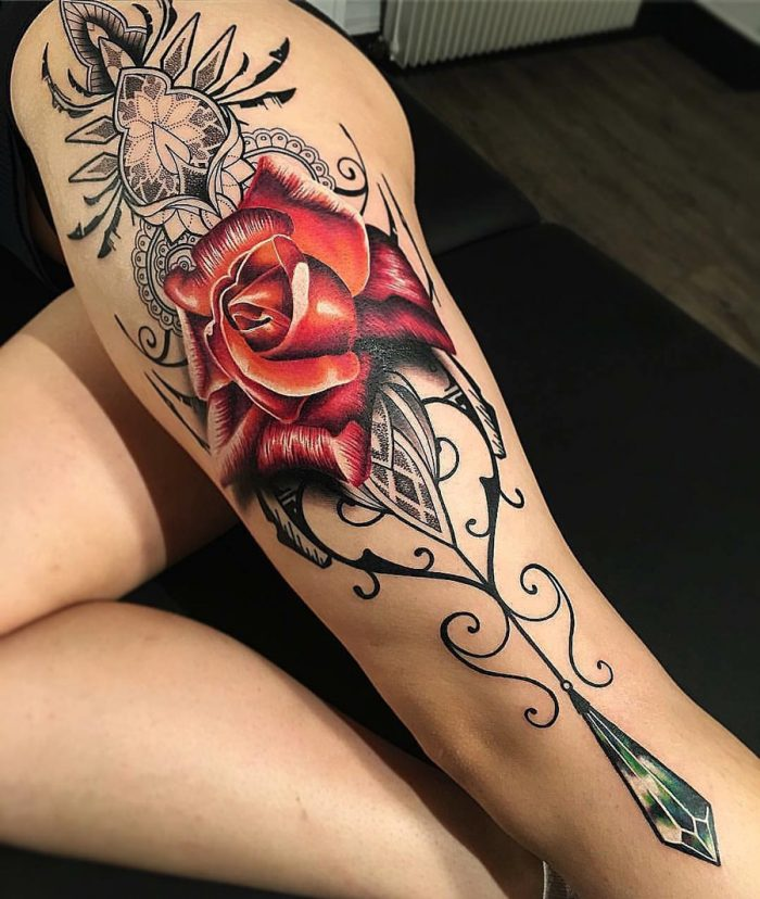 tattoo rosa roja